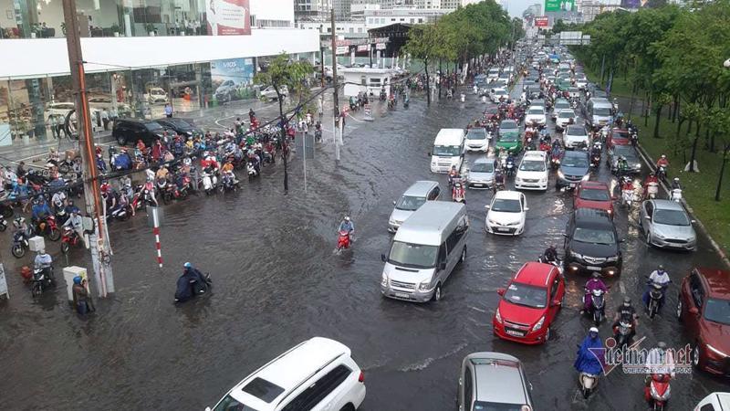 Ngập do mưa và triều cường vẫn là bài toán nan giải của TP.HCM