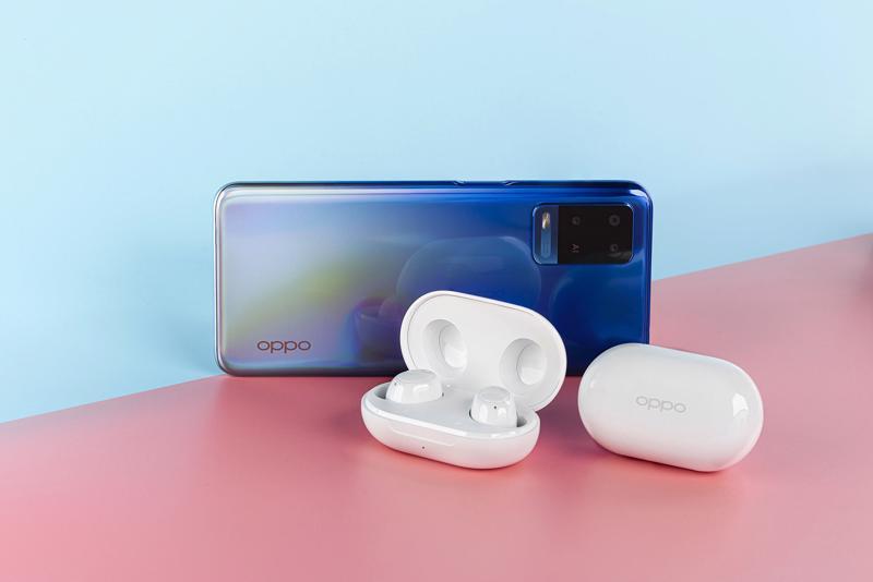 OPPO Enco Buds được trang bị chipset Bluetooth 5.2 hỗ trợ kết nối bluetooth kép qua cả hai tai với độ trễ thấp, giúp giải quyết các vấn đề về giật, lag, nhiễu âm cũng như kết nối kém, nhờ đó mang lại kết nối ổn định và nhanh chóng hơn.