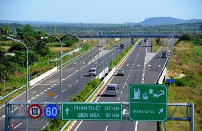 Tuyến cao tốc Tp.HCM – Long Thành – Dầu Giây, một trong 5 dự án đường cao tốc do VEC đầu tư, đưa vào khai thác từ tháng 2/2015.