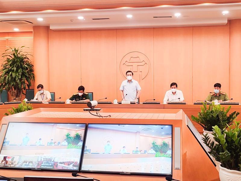 Phó Chủ tịch UBND TP Hà Nội Chử Xuân Dũng chủ trì phiên họp trực tuyến ngày 6/7.