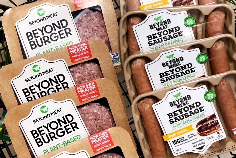 Thịt thực vật của công ty Beyond Meat, có trụ sở tại Los Angeles (Mỹ) được bán phổ biến tại Singapore - Ảnh: Beyond Meat