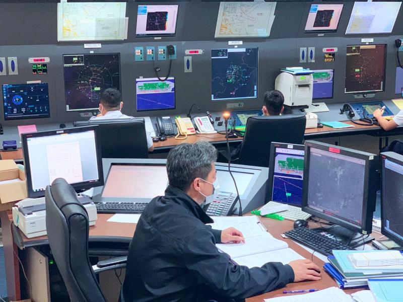 Kíp trực VATM tại Trung tâm Kiểm soát tiếp cận - tại sân bay Nội Bài