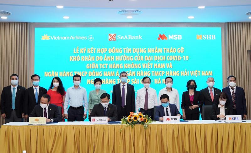 Vietnam Airlines ký kết hợp đồng tín dụng với 3 ngân hàng thương mạinhằm tháo gỡ khó khăn do dịch Covid-19