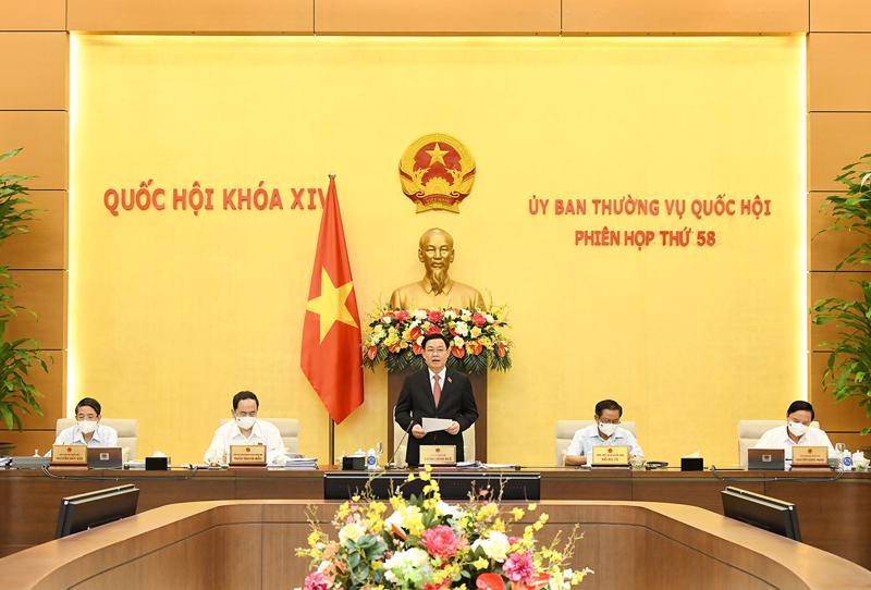Chủ tịch Quốc hội Vương Đình Huệ phát biểu khai mạc phiên họp - Ảnh: Quochoi.vn