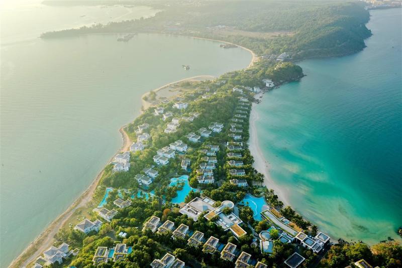"""Nam Phú Quốc đã có không ít khu nghỉ dưỡng thuộc hàng """"siêu phẩm""""."""