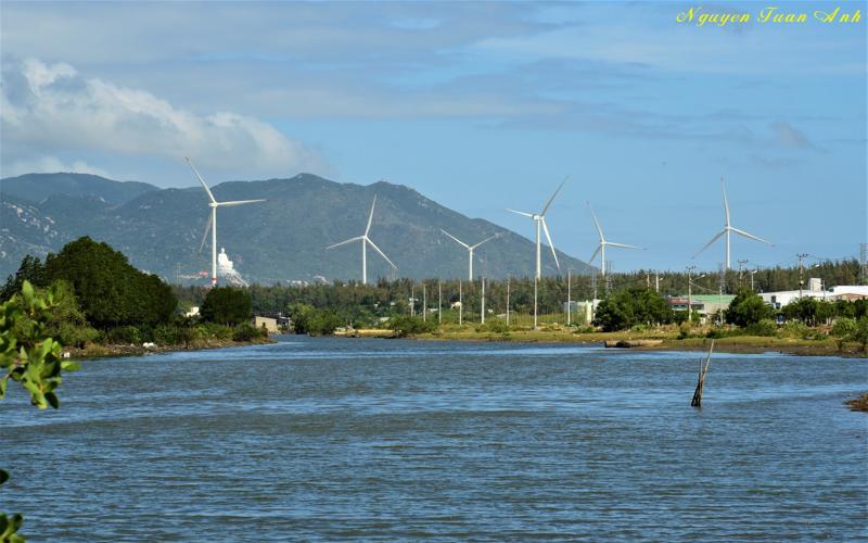 Nhà máy Phong Điện Phương Mai 3 (Bình Định) do Halcom Việt Nam làm chủ đầu tư, vận hành thương mại vào tháng 1/2020.