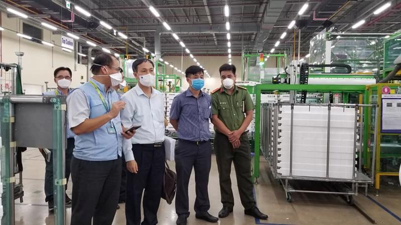 Đoàn kiểm tra tại Công ty Samsung – SEHC, Khu Công nghệ cao TP.HCM.