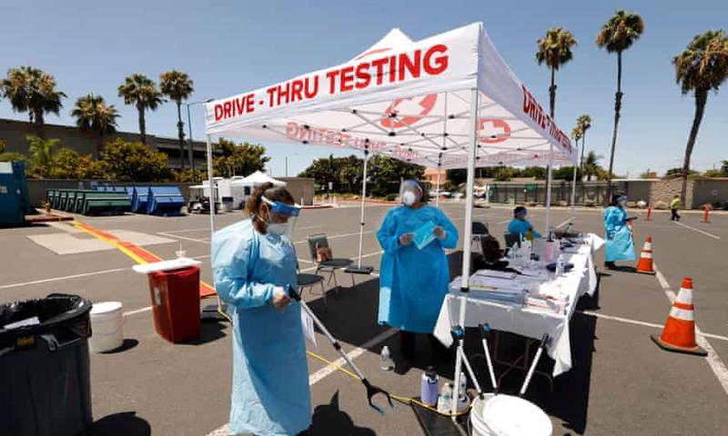 Một điểm xét nghiệm Covid-19 tại hạt Orange, bang California, Mỹ - Ảnh: Los Angeles Times