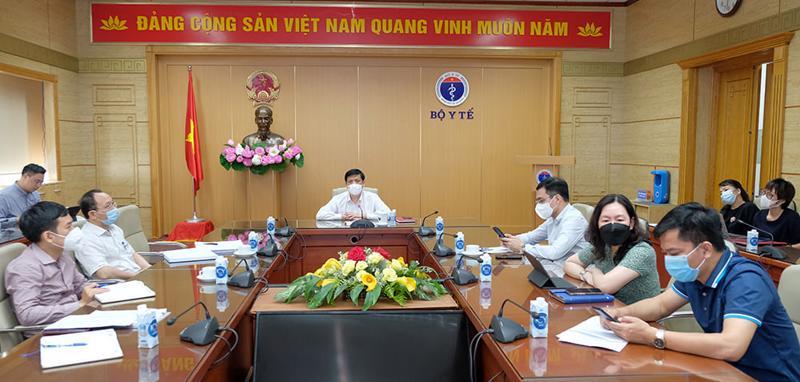 Bộ trưởng Bộ Y tế Nguyễn Thanh Long đã có cuộc làm việc trực tuyến với ông John Paul Pullicino- Tổng giám đốc Công ty TNHH Pfizer Việt Nam.