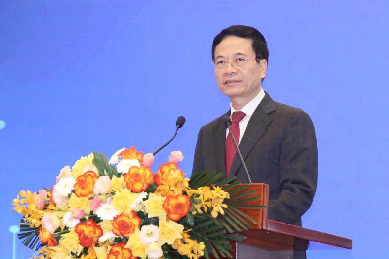 Bộ trưởng Bộ Thông tin và Truyền thông Nguyễn Mạnh Hùng.