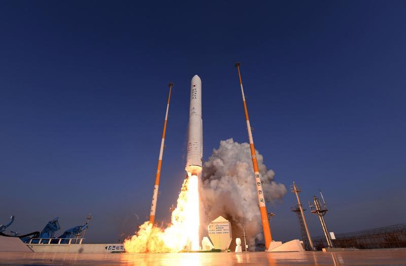 Hàn Quốc đang đi sau Nhật Bản, Trung Quốc trong lĩnh vực khai phá vũ trụ - Ảnh: Getty Images