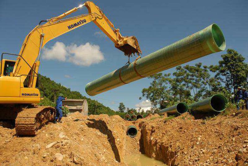 Lắp đặt đường ống là giải pháp hiệu quả cho ngành thủy lợi.