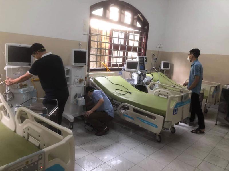 Chuyên gia Bệnh viện Bạch Mai trợ giúp hỗ trợ đơn vị ICU tại Bệnh viện Thống Nhất Đồng Nai.