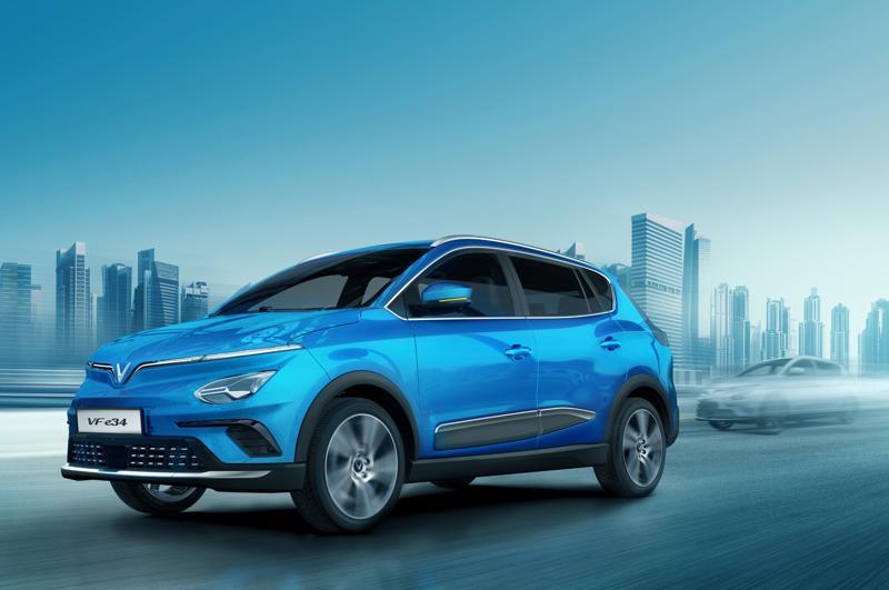 VF e34 tiếp tục gây tiếng vang khi là sản phẩm ô tô có lượng đơn đặt hàng tốt nhất theo phương thức online tại Việt Nam.