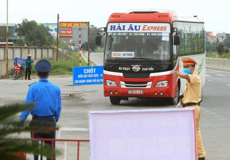 Hà Nội dừng toàn bộ hoạt động vận tải khách tới 37 tỉnh, thành phố từ 18/7.