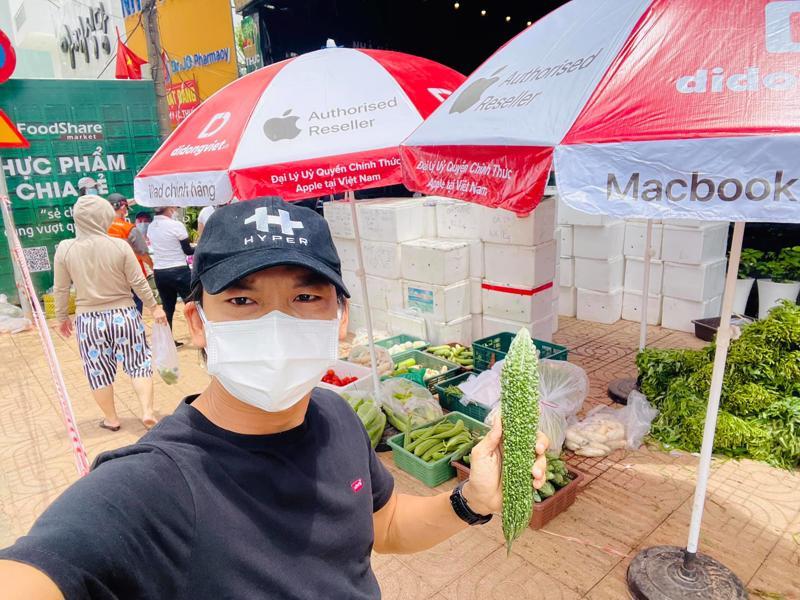 CEO Đạt luôn có mặt tại cửa hàng Foodshare đầu tiên số 67 Nguyễn Hữu Cảnh, Bình Thạnh, TP.HCM.