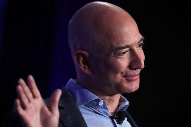 Tỷ phú giàu nhất thế giới Jeff Bezos - Ảnh: Vox.