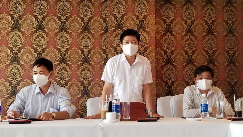 Tổ Thường trực đặc biệt của Bộ Y tế hỗ trợ Bình Dương họp bàn về chiến lược điều trị cho bệnh nhân Covid-19 tại Bình Dương.