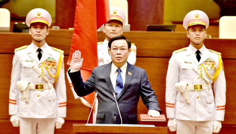 Ông Vương Đình Huệ tuyên thệ nhậm chức Chủ tịch Quốc hội khóa VX - Ảnh: VGP