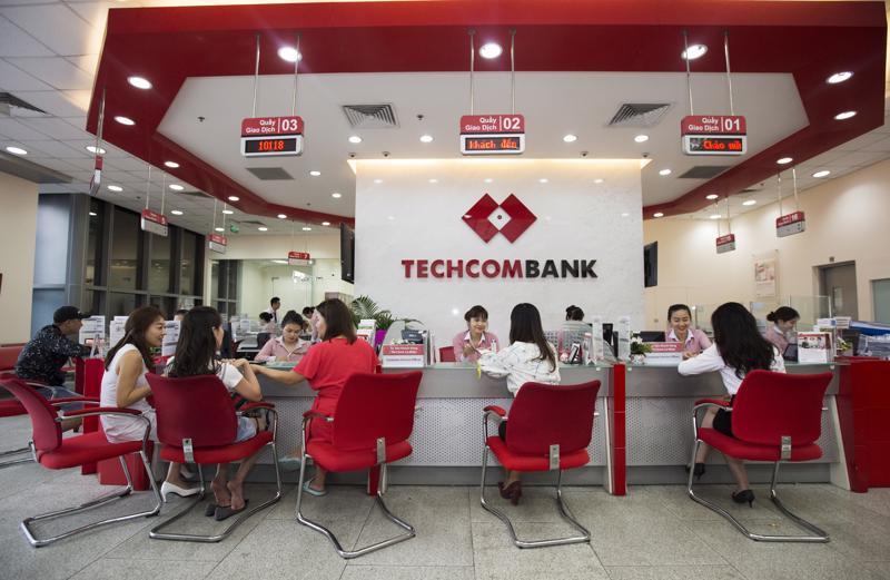 Trong 6 tháng đầu năm 2021, Techcombank đã thu hút thêm gần nửa triệu khách hàng mới, nâng tổng số khách hàng mà Ngân hàng phục vụ lên 8,9 triệu.