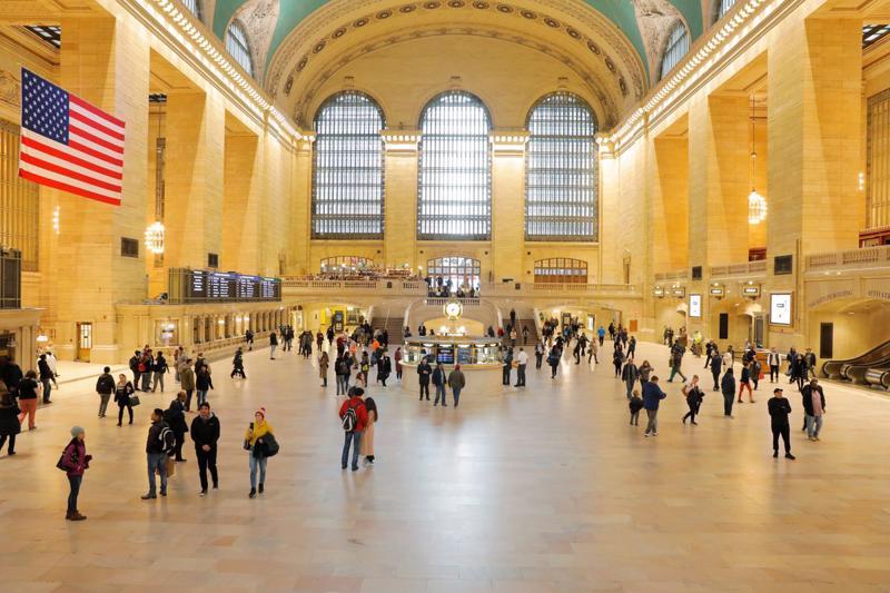 Quang cảnh nhà ga trung tâm Grand Central Station ở New York, Mỹ, tháng 3/2020 - Ảnh: Reuters.