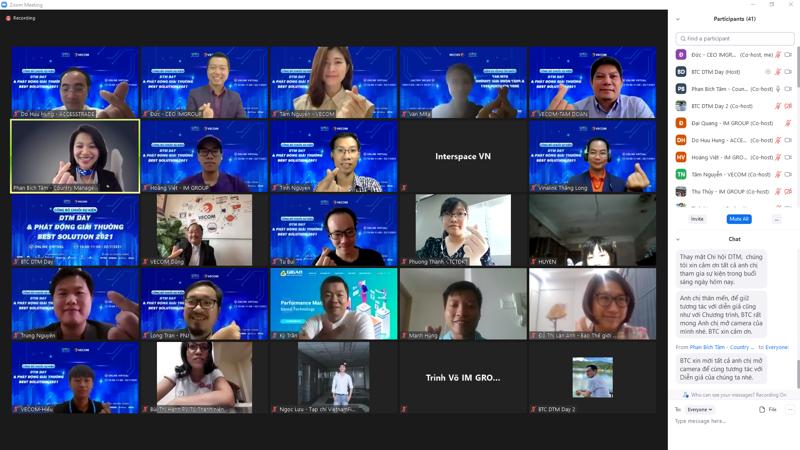 """Các diễn giả trong buổi họp trực tuyến thành lập Chi hội Tiếp thị và Công nghệ số (DTM) và phát động giải thưởng """"Best Solutions 2021""""."""