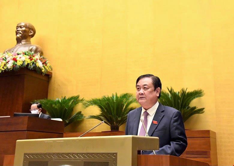 Bộ trưởng Bộ Nông nghiệp và Phát triển nông thôn Lê Minh Hoan trình bày báo cáo tại phiên họp - Ảnh: VGP