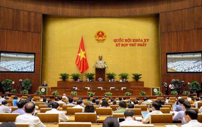 Toàn cảnh phiên họp sáng 23/7 - Ảnh: Quochoi.vn