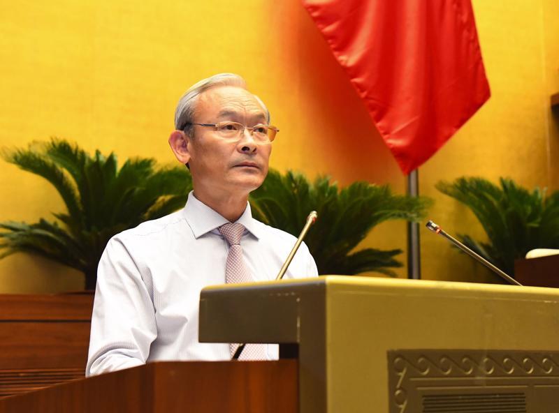 Chủ nhiệm Ủy ban Tài chính, Ngân sách của Quốc hội Nguyễn Phú Cường trình bày Báo cáo thẩm tra về công tác thực hành tiết kiệm, chống lãng phí năm 2020 - Ảnh: Quochoi.vn