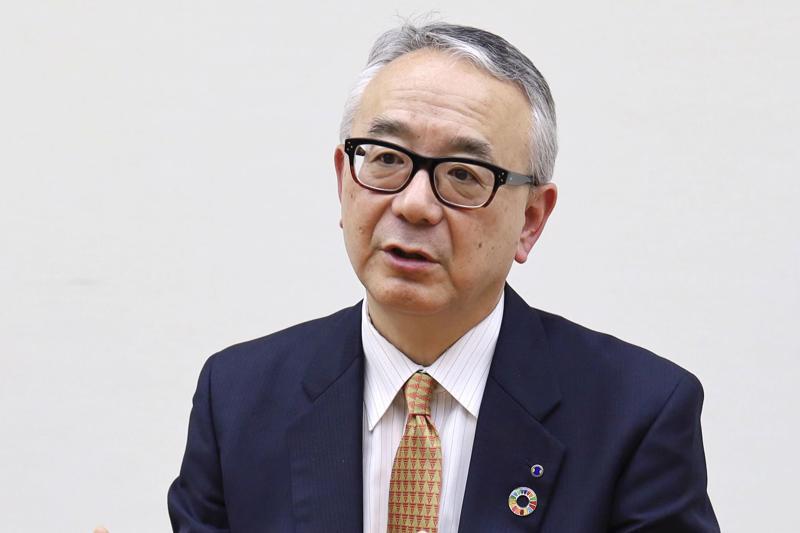 """""""Mục tiêu của chúng tôi là một loại thuốc rất an toàn dùng đường uống, như Tamiflu, như Xofluza"""", Tổng giám đốc (CEO) Isao Teshirogi của Shionogi phát biểu - Ảnh: Kyodo/WSJ."""