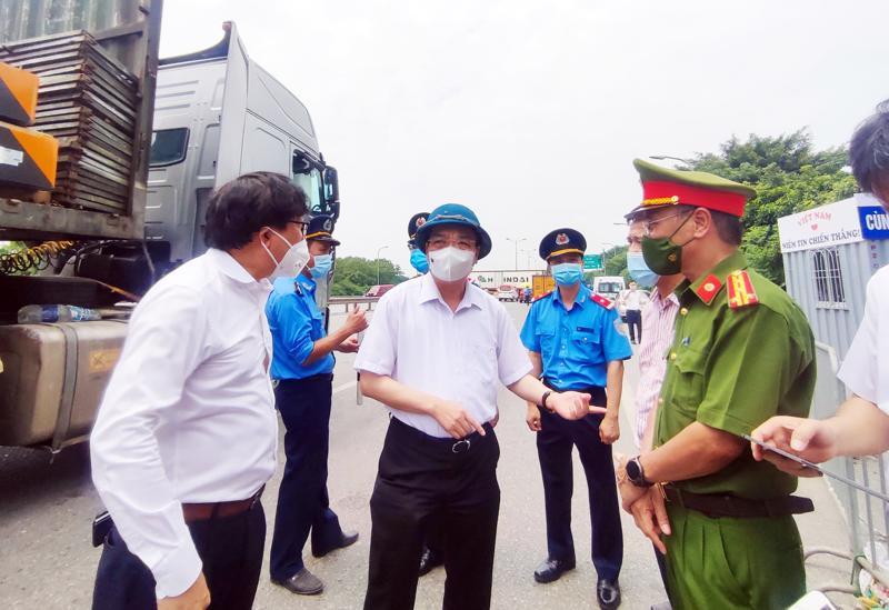 Chủ tịch UBND TP Hà Nội Chu Ngọc Anh đã thị sát đoạn tuyến đường Vành đai 3