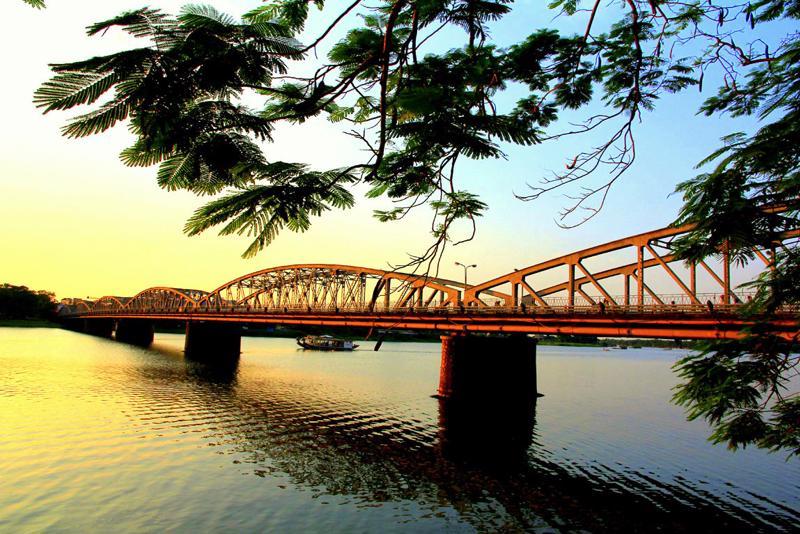 Xây dựng Thừa Thiên Huế trở thành thành phố trực thuộc Trung ương trên nền tảng bảo tồn và phát huy giá trị di sản.