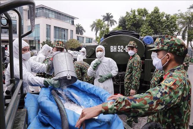 Thủ tướng duyệt kinh phí bổ sung cho Bộ Quốc phòng để thực hiện các nhiệm vụ phòng chống dịch - Ảnh: TTXVN.