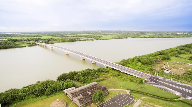 Để khơi dậy tiềm năng của cù lao ông Cồn, DIC Corp đã mạnh dạn bỏ vốn đầu tư cầu Đại Phước; tuyến đường nối vào Cầu Đại Phước (để nối Cù lao Ông Cồn với khu vực Nhơn Trạch).