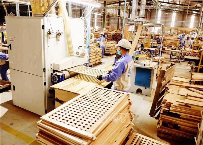 """Ngành sản xuất đồ gỗ đang """"liểng xiểng"""" vì Covid-19"""