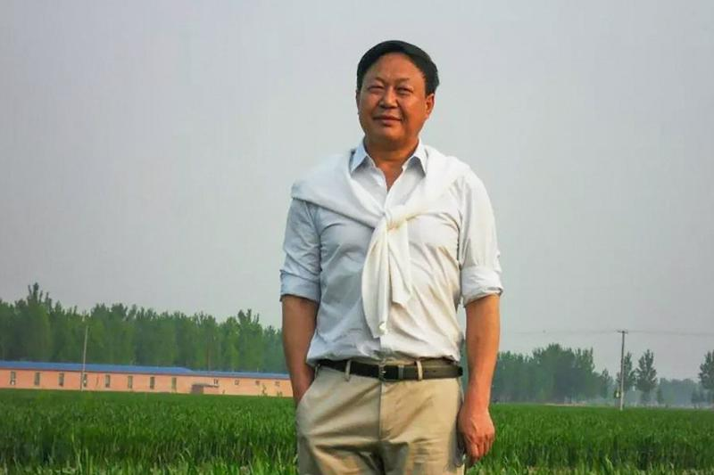 Tỷ phú Sun Dawu - Ảnh: Handout