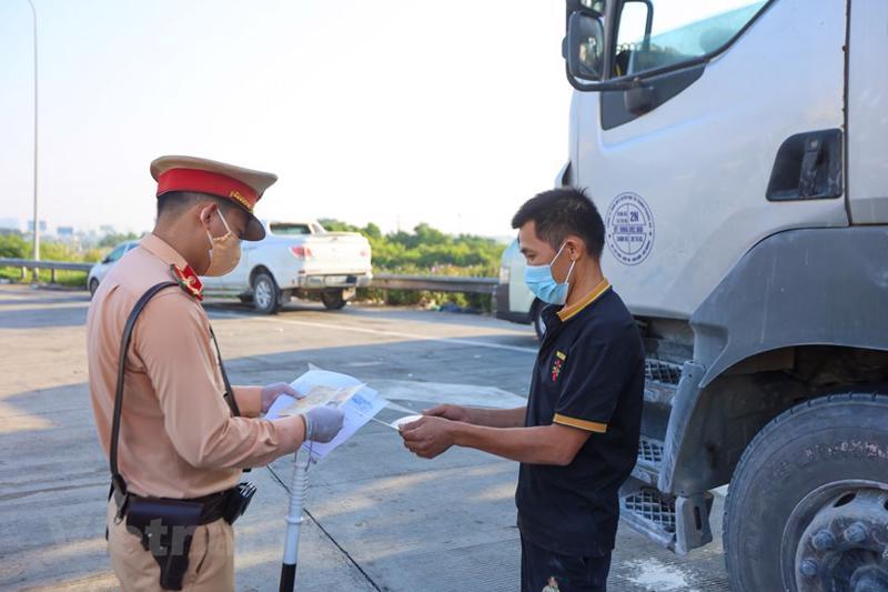 Bộ Công Thương tiếp tục nhận được phản ánh của một số doanh nghiệp gặp khó khăn trong hoạt động vận chuyển