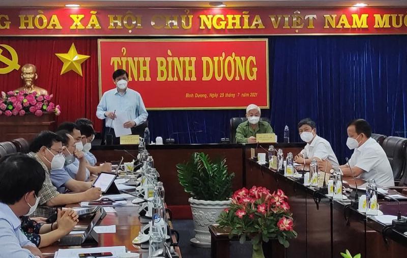 Bộ trưởng Nguyễn Thanh Long phát biểu tại cuộc họp với lãnh đạo Tỉnh ủy, UBND tỉnh Bình Dương.