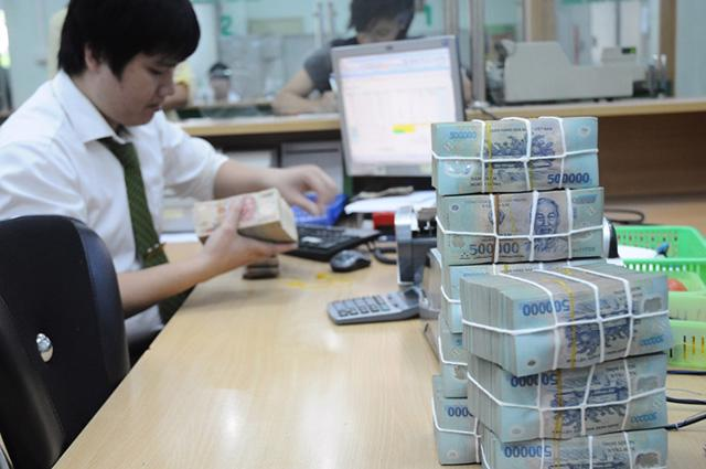 Một số ngân hàng nhỏ bắt đầu đẩy cao lãi suất huy động
