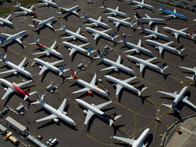 Các hãng hàng không thế giới kiệt quệ vì Covid-19.