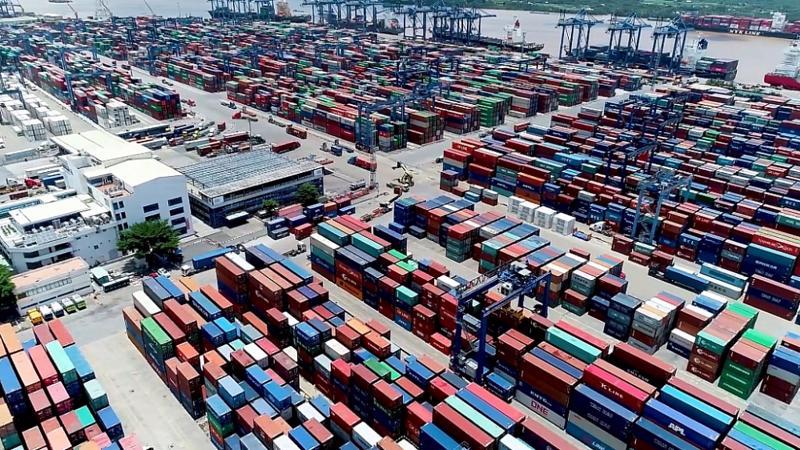 Trong 7 tháng đầu năm 2021 Việt Nam thâm hụt thương mại 2,5 tỷ USD.
