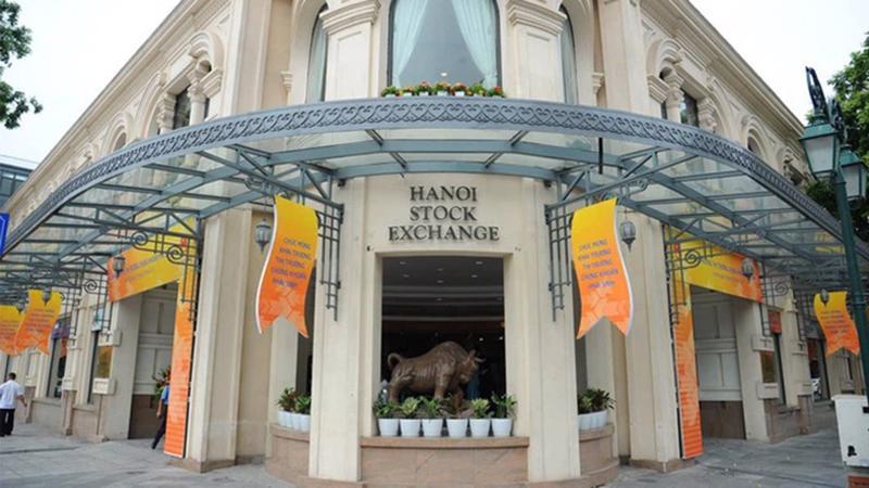 Giao dịch của nhóm cổ phiếu HNX30 giảm 34,5% so với tháng trước.
