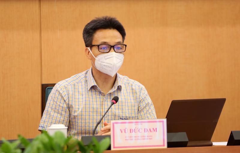 Phó Thủ tướng Vũ Đức Đam làm việc với Sở Chỉ huy phòng, chống dịch TP. Hà Nội, sáng 4/8. Ảnh - VGP.