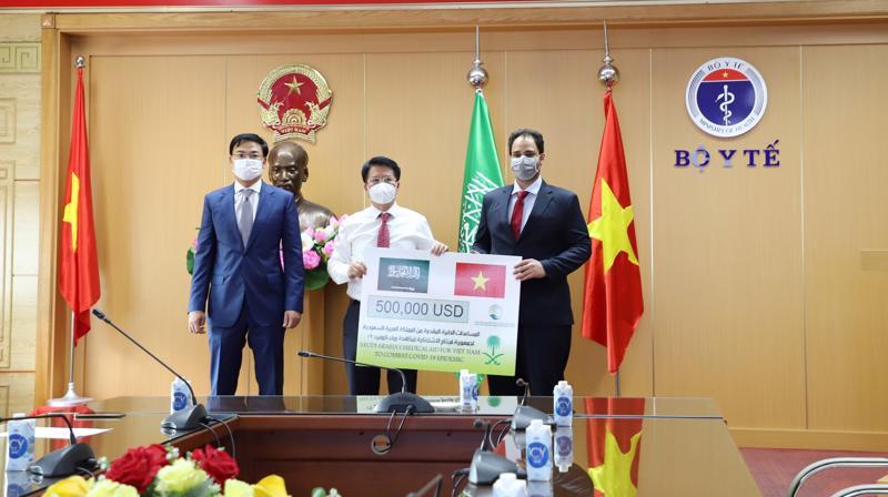 Bộ Y tế tiếp nhận gói viện trợ y tế trị giá 500.000 USD.
