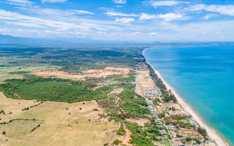 Biển Mũi Né, Bình Thuận được trang du lịch Asiaone xếp thứ 4 trong top 10 điểm du lịch biển lý tưởng nhất châu Á.