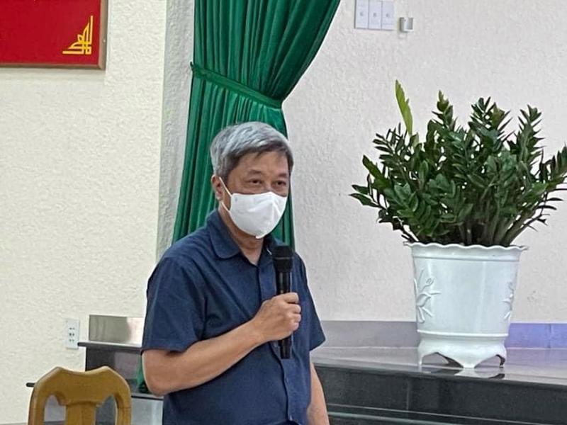 Thứ trưởng Bộ Y tế Nguyễn Trường Sơn phát biểu trong cuộc làm việc tại thị xã Tân Uyên, Bình Dương.