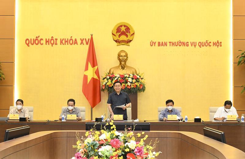 Chủ tịch Quốc hội Vương Đình Huệ phát biểu tại phiên họp - Ảnh: Quochoi.vn