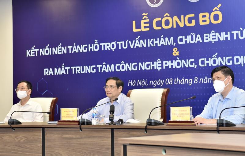 Thủ tướng Phạm Minh Chính dự lễ công bố kết nối Nền tảng hỗ trợ tư vấn khám, chữa bệnh từ xa (Telehealth) tới 100% tuyến huyện. Ảnh - VGP.