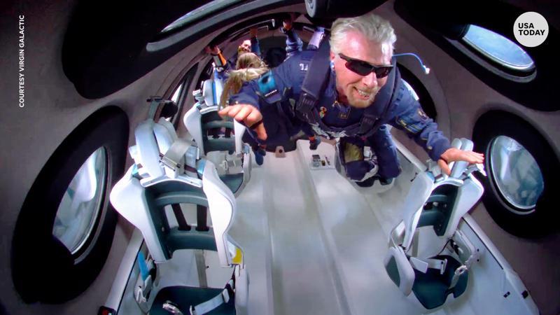 Tỷ phú Richard Branson trong chuyến bay vào rìa vũ trụ hôm 11/7 - Ảnh: NBC News