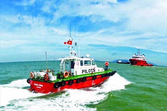 Doanh nghiệp hoa tiêu hàng hải, lai dắt tàu biển đồng loạt giảm giá hỗ trợ chủ tàu nội địa.
